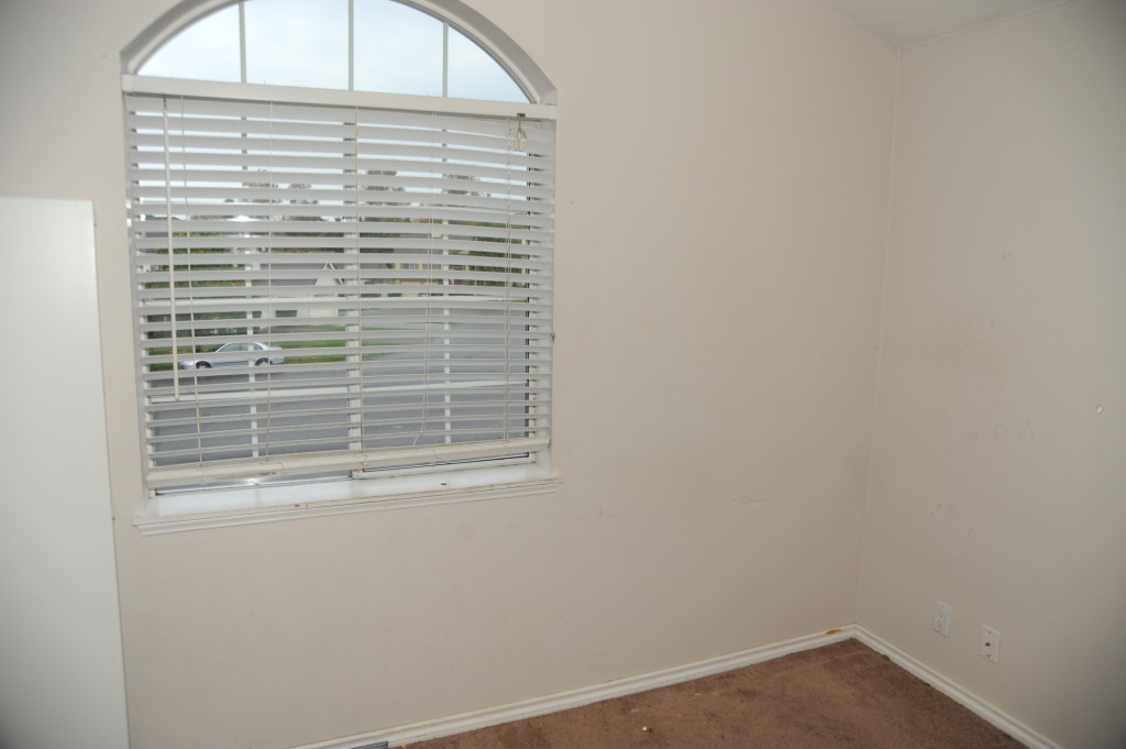 Blinds in 3rd bedroom are damaged.  Replace with mini-blinds.